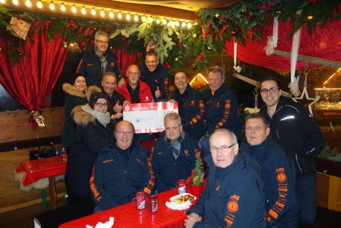 Spendenübergabe an Menschen für Kinder Weihnachten 2018